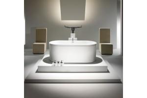 baignoire ilot centro en acier haut de gamme marque kaldewei. Black Bedroom Furniture Sets. Home Design Ideas