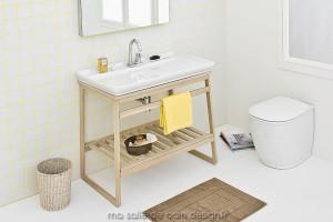 Vasque Naked posée sur meuble en bois Slitta