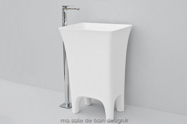 Vasque colonne Cow blanche en Livingtec (Solid Surface) par Artceram