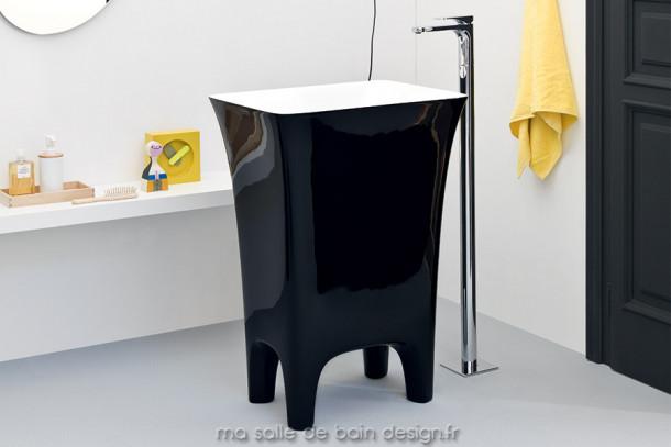 Vasque colonne design Cow noire en Livingtec (Solid Surface) par Artceram