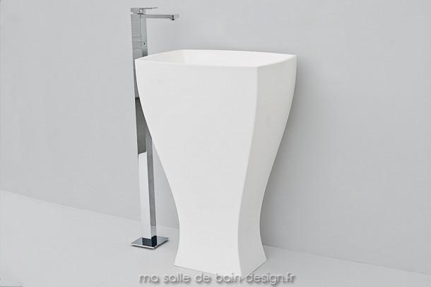 Vasque colonne design néo-classique Jazz en Livingtec blanc (Solid Surface) par Artceram