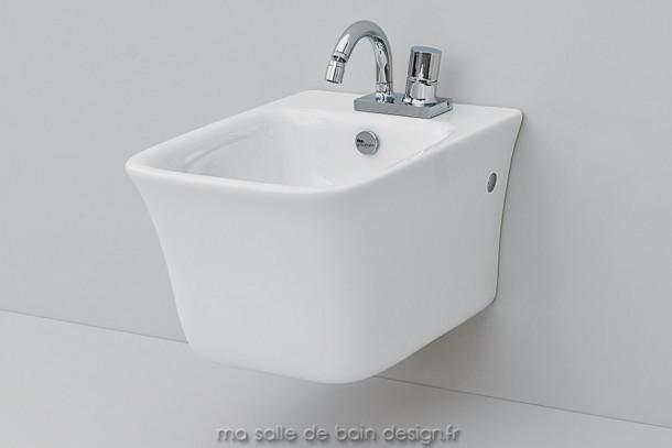 Bidet suspendu design Cow d'ArtCeram 37x54cm en céramique blanche