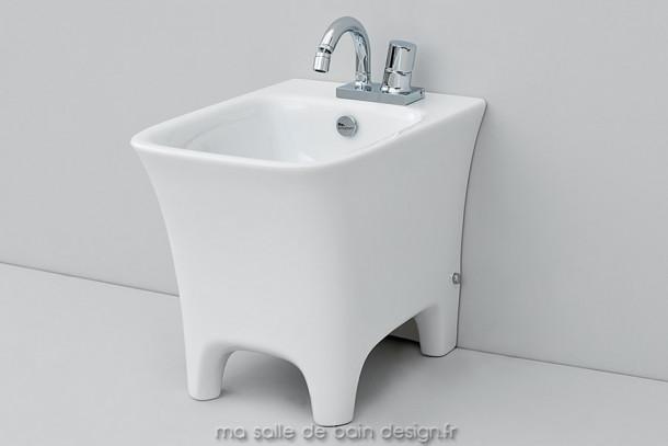 Bidet à poser design Cow d'ArtCeram 37x54cm en céramique blanche