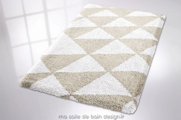 Tapis de bain design Jasper - Modèle rectangulaire à motifs triangulaires - Disponible en 3 dimensions