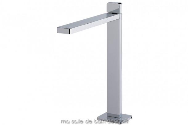 Mitigeur surelevé pour vasque haute en métal chromé au design fin et rectiligne iTap par Water Evolution