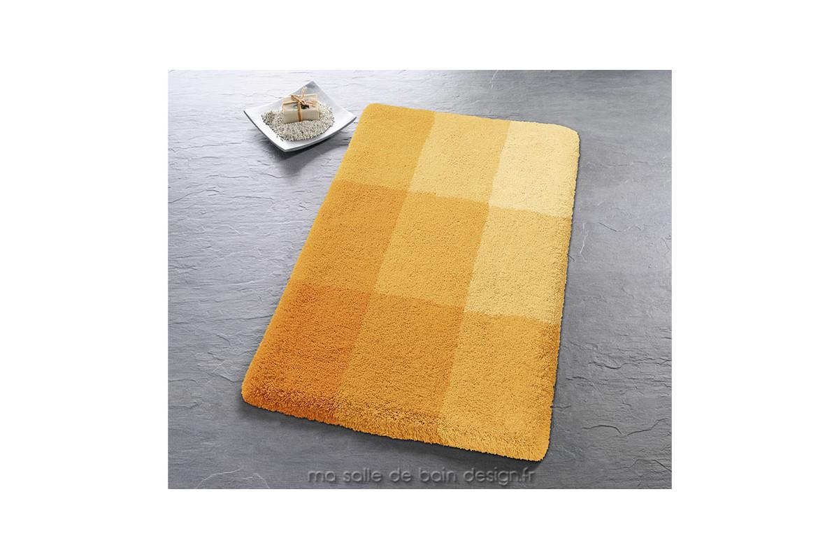 tapis de bains d coratif constitu de plusieurs rectangles color s. Black Bedroom Furniture Sets. Home Design Ideas